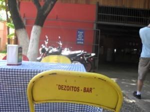 Dezoitos bar-Peixe na beira do rio Piracicaba!
